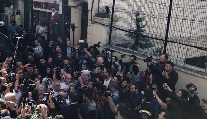 Cumartesi Annelerine yine polis engeli: HDP'li Hüda Kaya darbedildi