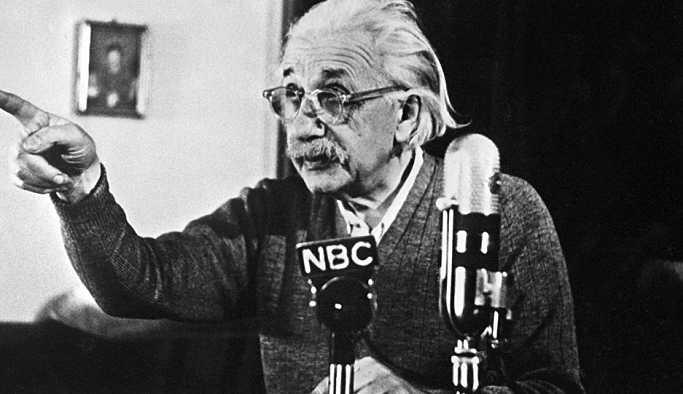 Einstein'ın 'tanrıyı ret' mektubu yine açık artırmada