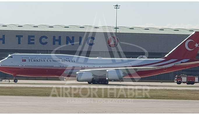 Erdoğan'a hediye edilen uçak, hangardan çıktı