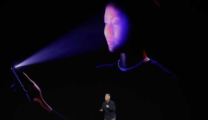FBI zanlıya yüzüyle iPhone X kilidini açtırdı