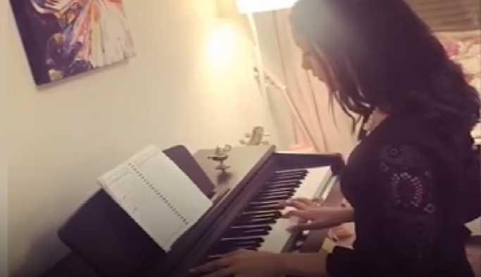 Suudi Arabistan'da sahneye çıkan ilk kadın piyanist