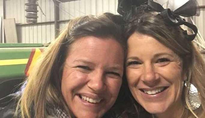 Boşanma partisinde gelinliğini patlatarak havaya uçurdu