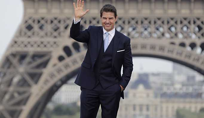 Boyu kısa bulunan Tom Cruise başrolden alındı
