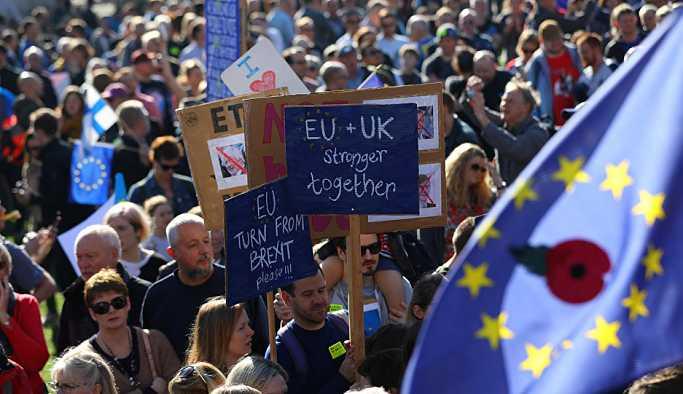 'Brexit konusunda son sözü halka bırakmak demokratik olacaktır'