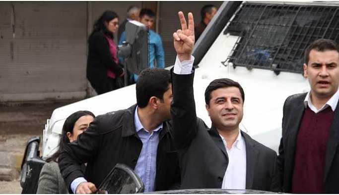 Demirtaş'ın avukatları Anayasa Mahkemesi'ne başvurdu