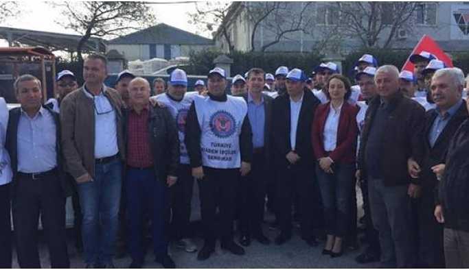 Enez'de fabrika işçileri greve çıktı