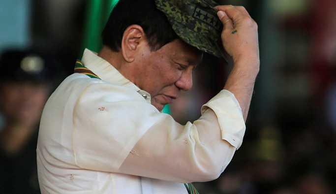 Filipinler liderinden vatandaşa tavsiye: Kiliseyi boşlayın, evinizde dua edin