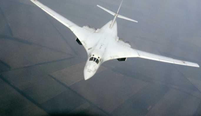 İki Rus uçağı tatbikat halindeki NATO'nun 'huzurunu kaçırdı'