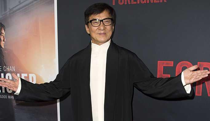 Jackie Chan'in kızı Kanadalı kız arkadaşıyla evlendi
