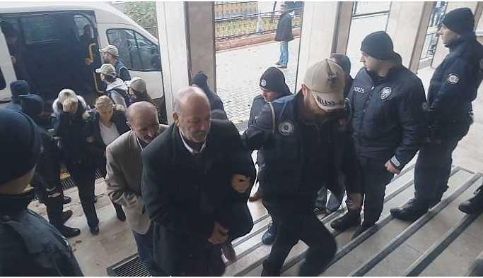 Malatya'da siyasetçi ve insan hak savunucuları adliyede