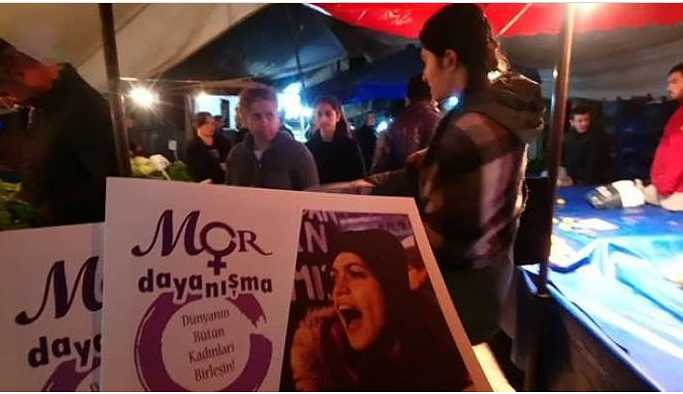 Mor Dayanışma sokak sokak gezerek kadınları 25 Kasım'a çağırıyor