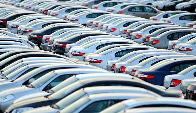Otomotivciler, gümrüklerde beklettikleri 100 bin ithal araç için 6 aylığına esneklik istiyor