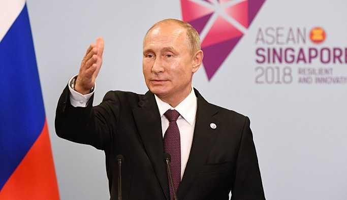 Putin: Singapur'da Pence ile ayaküstü bir sohbet gerçekleştirdik
