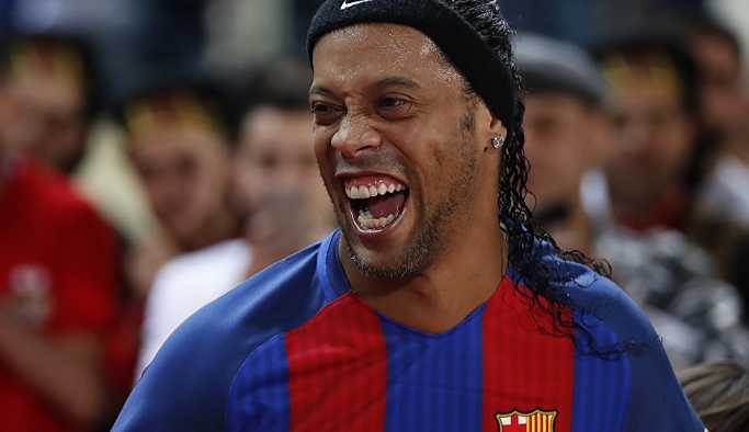 Ronaldinho'nun üç lüks arabasına 'izinsiz inşaat' gerekçesiyle haciz
