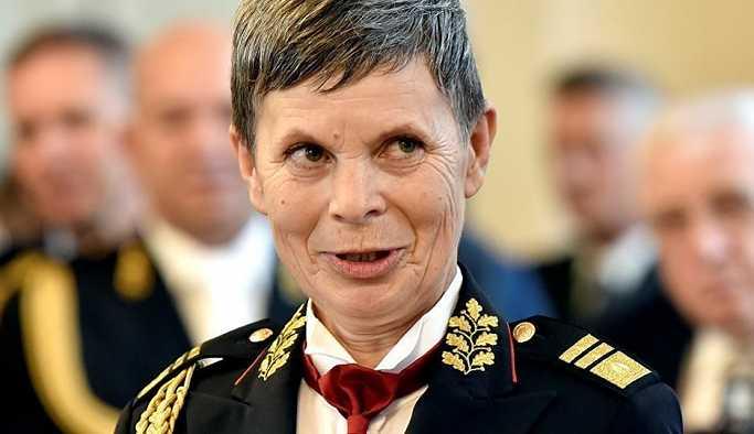 Slovenya'ya kadın genelkurmay başkanı