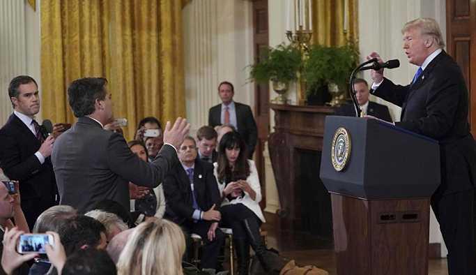 Trump CNN muhabirinin basın kartını askıya aldı