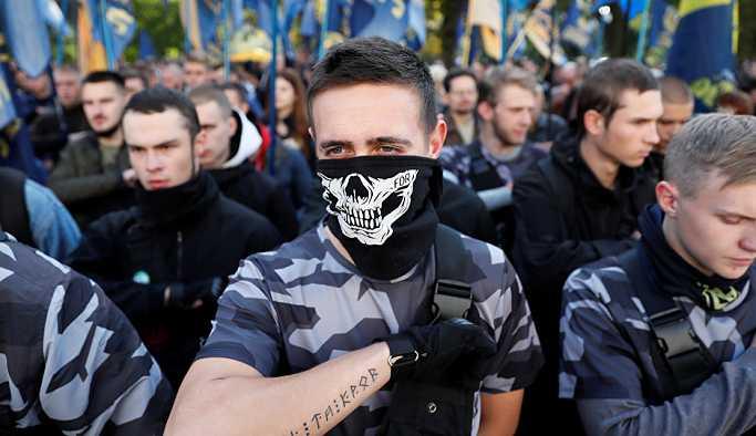 Ukraynalı milliyetçiler, Rusya'nın Harkov Konsolosluğu'na saldırdı