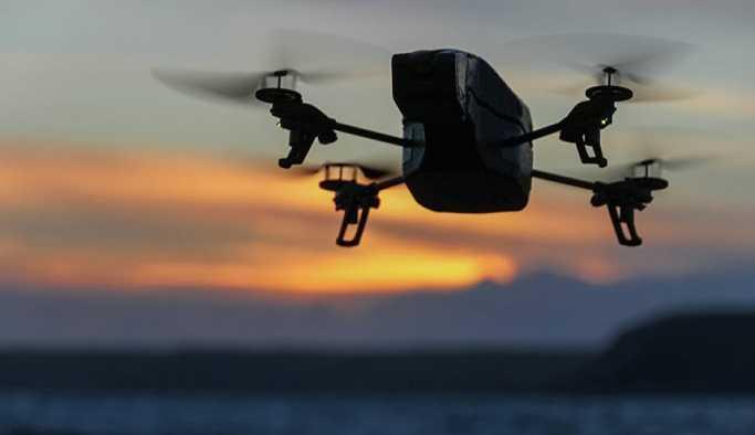 Yaşlı kadın, ilk kez gördüğü drone'u böyle sevdi: Sen hoş geldin, nereye gittin sen