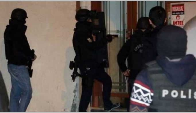 Yazar Nezir Çakan'nın evine polis baskını