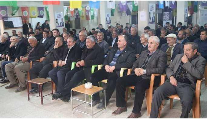 Yüksekova'da yerel seçim için halk toplantısı