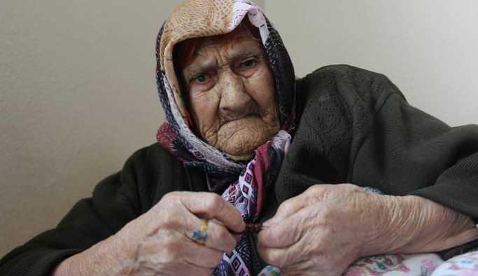 110 yaşında, 5 çocuğu 30 torunu var ama kaydı yok