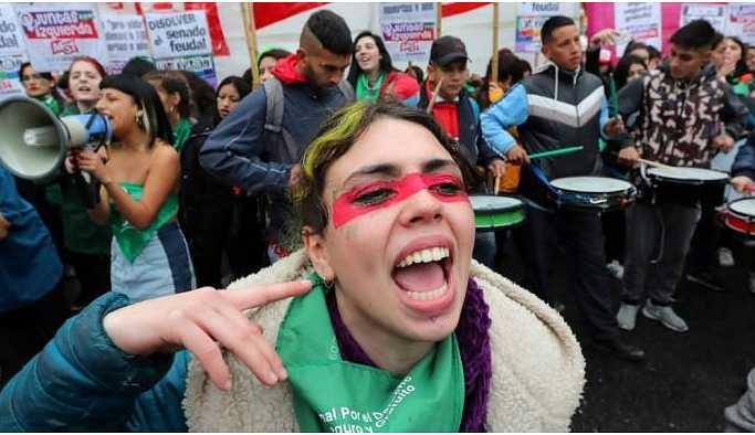 Af Örgütü: 2018'de Ortadoğu ve Kuzey Afrikalı kadınlar baskılara meydan okudu