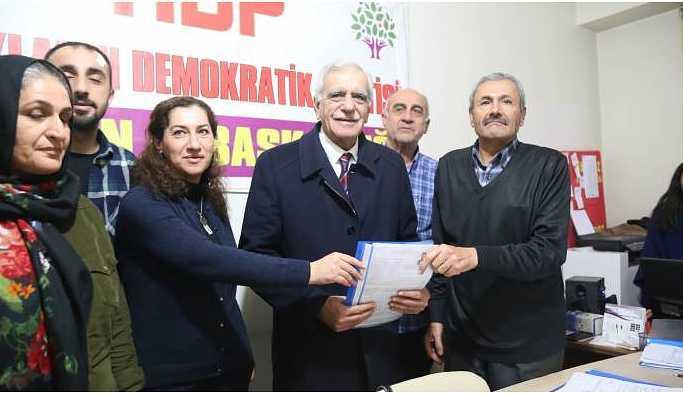 Ahmet Türk Mardin Büyükşehir Belediyesi için aday adayı oldu