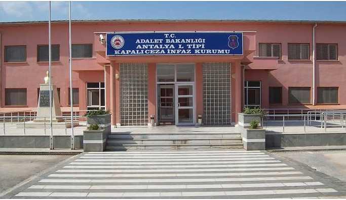 Antalya'daki tutuklular: Tecrit kaldırılana kadar mücadele edeceğiz