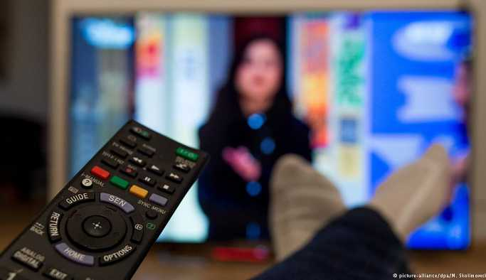 Burak Özçetin: Reality show insanı 'tatmin eden' bir kurmaca