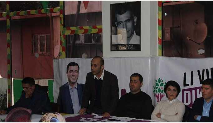 Hakkari'de yerel seçim öncesi halk toplantısı
