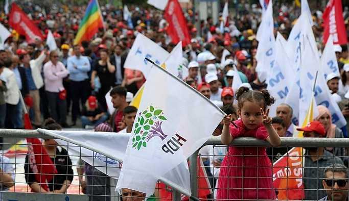'HDP batıda aday çıkarmayarak sola destek verebilir'