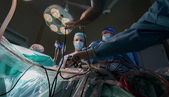 İlk kez ölü donörden nakledilen rahim ile doğum yapıldı