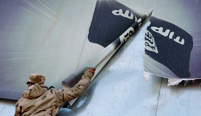 Irak'ta IŞİD'e karşı zafer günü resmi tatil ilan edildi