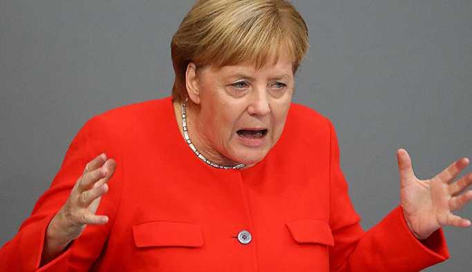 Merkel, Sol Parti'nin Sarı Yeleklere desteğini eleştirdi: Skandal