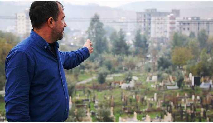 Pencereden her baktıklarında Büşra'nın mezarı var