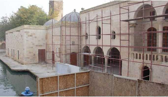 Restorasyon maliyeti 3 milyonu bulan cami hala açılmadı