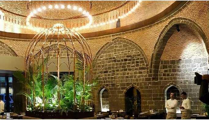 Sur'da tarihi hamam lüks restorana dönüştürüldü!