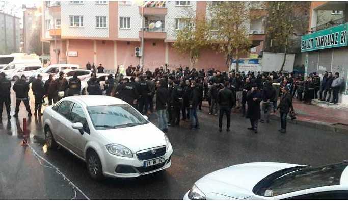 TJA'lıların açlık grevine girdiği HDP il binasına polis baskını