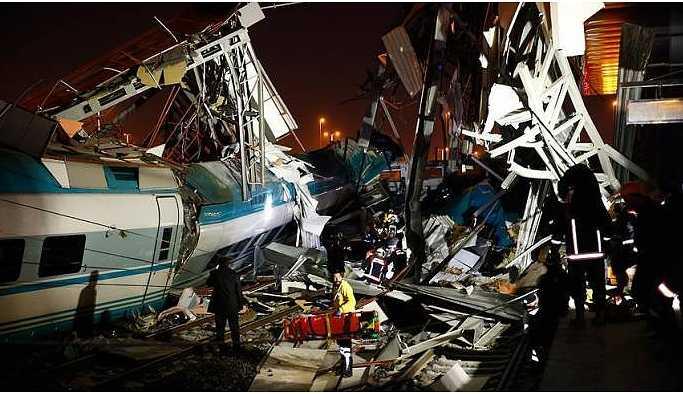 YHT kılavuz trenle çarpıştı: 4 ölü, 43 yaralı