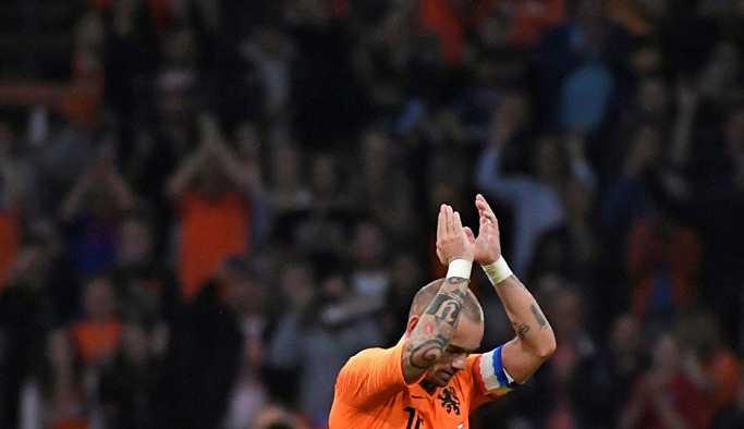 Adana Demirspor: Sneijder'i alamadık, kim bilir bir gün başka baharda aramıza katılır