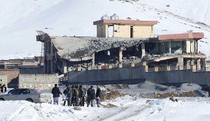 Afganistan'da askeri üsse Taliban saldırısı: 100'den fazla asker öldürüldü