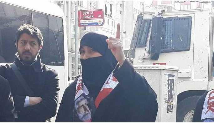 Alparslan Kuytul'un eşi Semra Kuytul gözaltına alındı