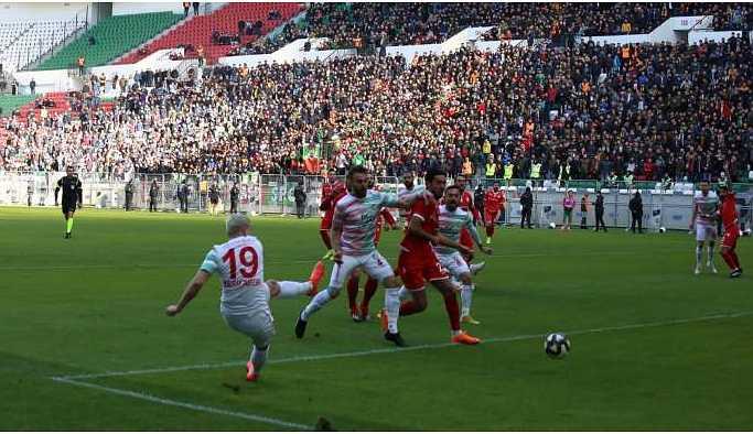 Amedspor 3 puanı 3 golle aldı