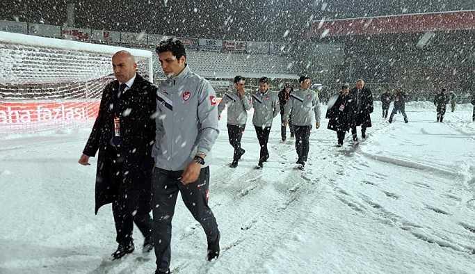Boluspor-Galatasaray maçına kar engeliv