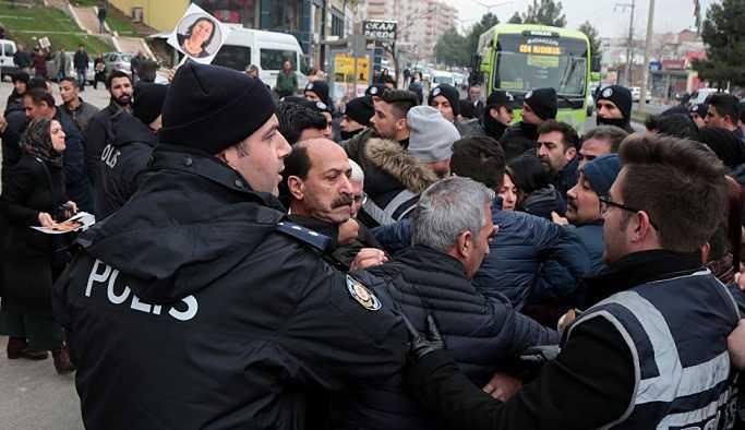 Cezaevine yürümek isteyen HDP'lilere müdahale: Milletvekilleri tartaklandı