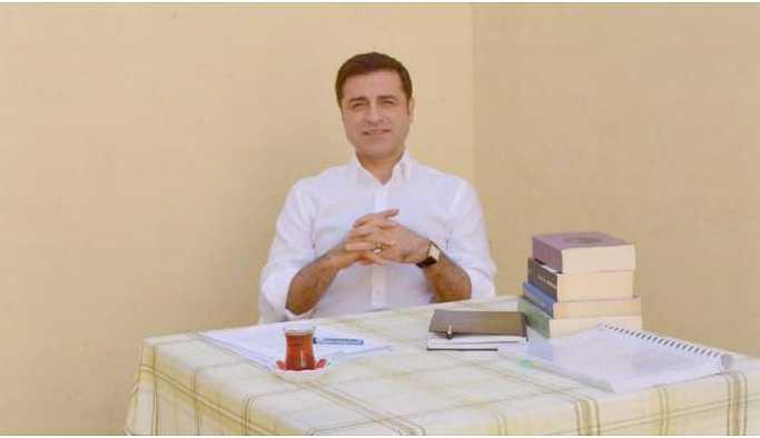 Demirtaş'ın avukatları AYM'ye başvurdu