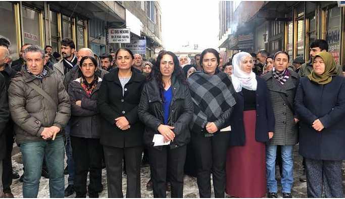 Erciş'te ev baskınları ve tutuklamalar protesto edildi