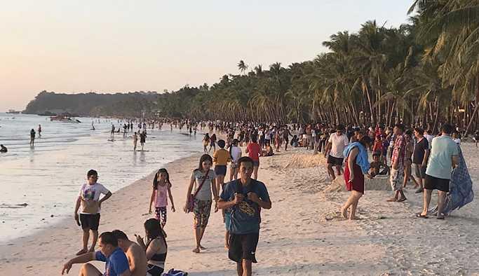 Filipinler geçen yıl saygısız davrandıkları için 133 yabancıyı ülkeye sokmadı