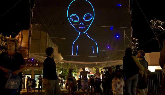Habertürk yazarı Ayşe Özek Karasu: Velev ki geldiler, uzaylılarla kim görüşecek?