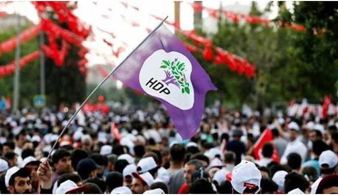 HDP eşbaşkan adaylarını konvoy turu ile tanıttı